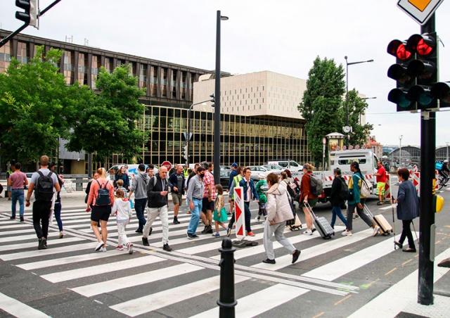 В центре Праги открыли долгожданный пешеходный переход