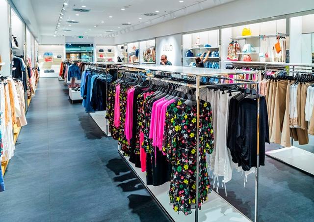 В «Fashion Arena Prague Outlet» стартовала летняя распродажа
