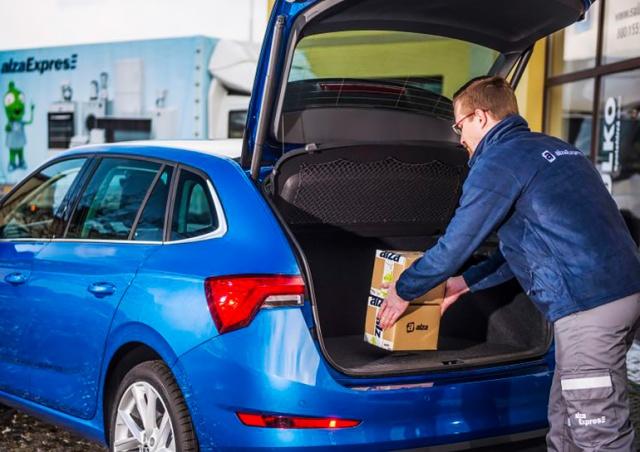 Alza и Zásilkovna начали оставлять заказы в багажниках припаркованных машин
