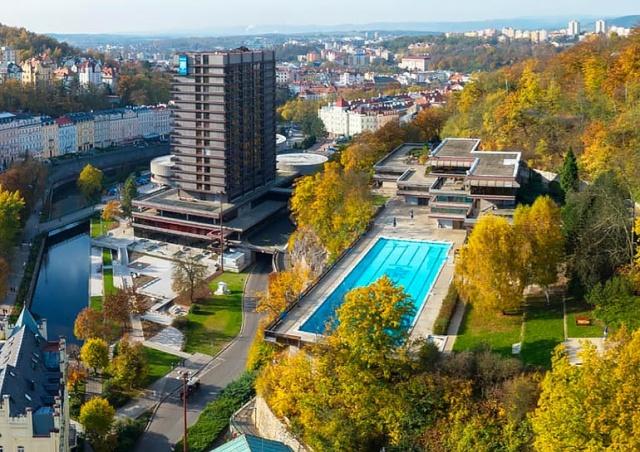Бассейн отеля Thermal открылся после реконструкции
