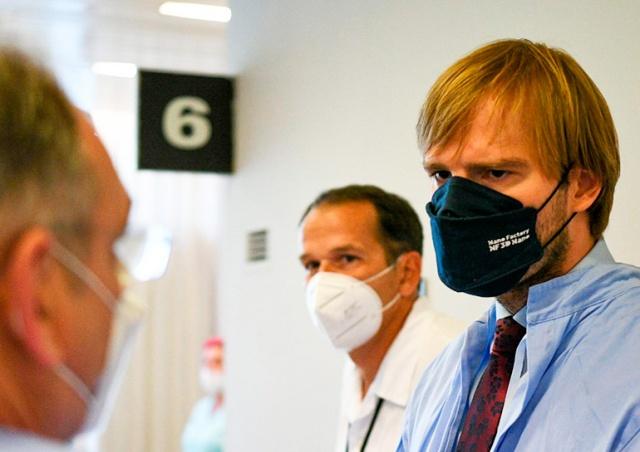 Минздрав Чехии: мы стоим у подножия новой волны эпидемии