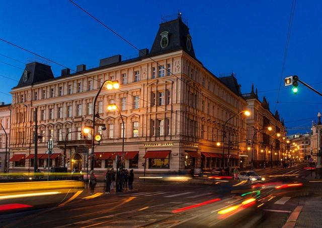 Пражское кафе Slavia открылось после реконструкции