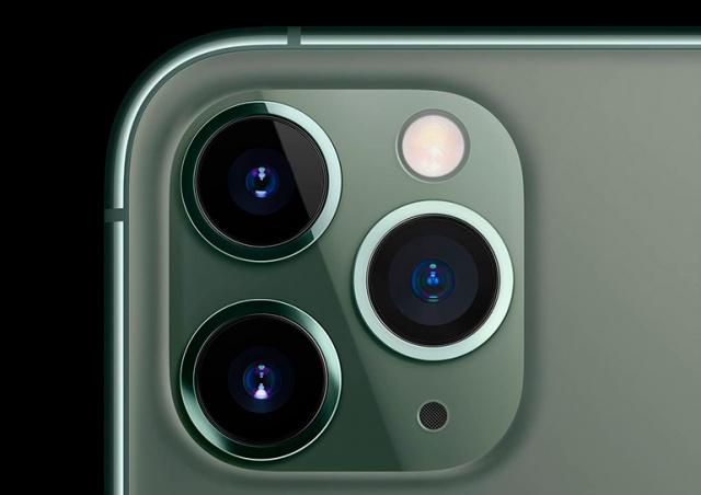 Apple: поездка на мотоцикле может повредить камеру iPhone