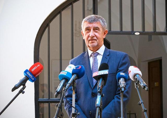 Премьер Чехии допустил локальное усиление карантинных мер