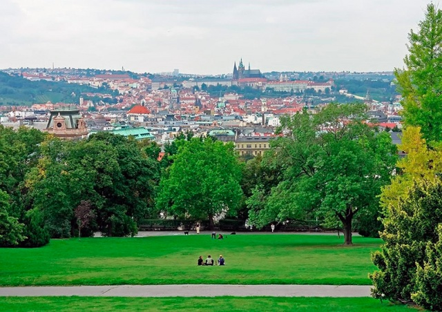 Прага признана самым «парковым» городом в мире