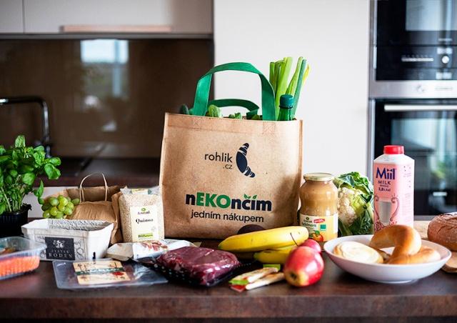 Rohlík начал использовать возвратные пластиковые пакеты