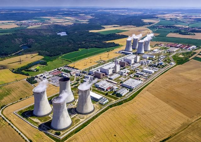 Земан подписал закон, исключающий участие России в строительстве блока АЭС