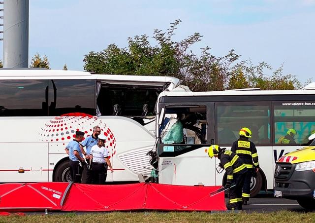 В Праге столкнулись два автобуса