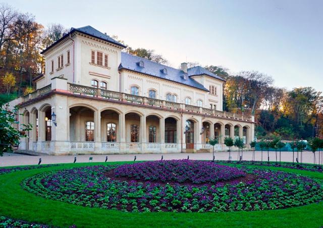 В выходные для пражан впервые откроется отремонтированный дворец Šlechtovka