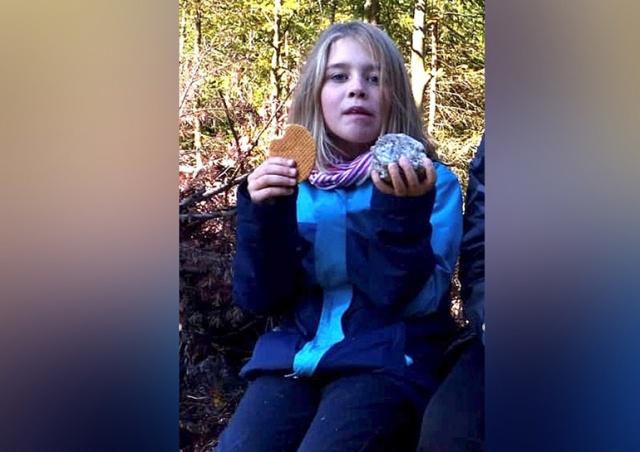 Ура! Потерявшуюся в лесу девочку нашли