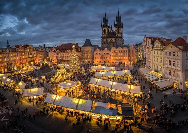 Рождественская ярмарка на Староместской площади Праги состоится