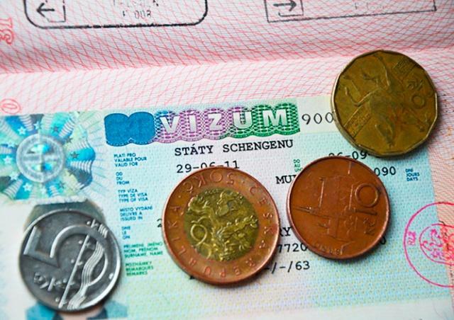 Консульства Чехии в России возобновляют прием заявлений на долгосрочные визы