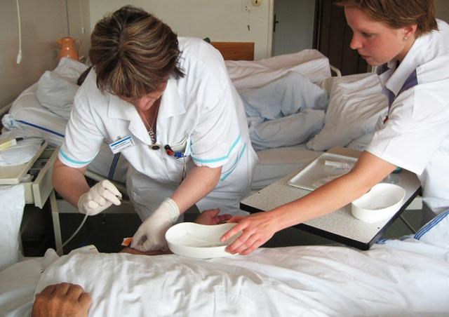 В Чехии работавшая пьяной медсестра будет уволена