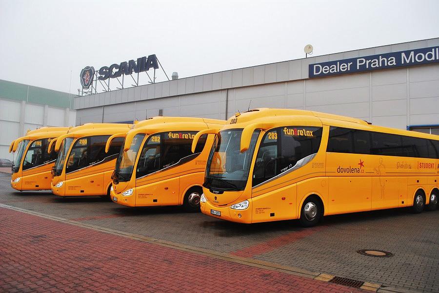 Желтый автобус STUDENT AGENCY