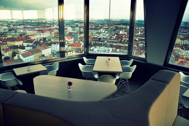 Ресторан в Жижковской башне в Праге