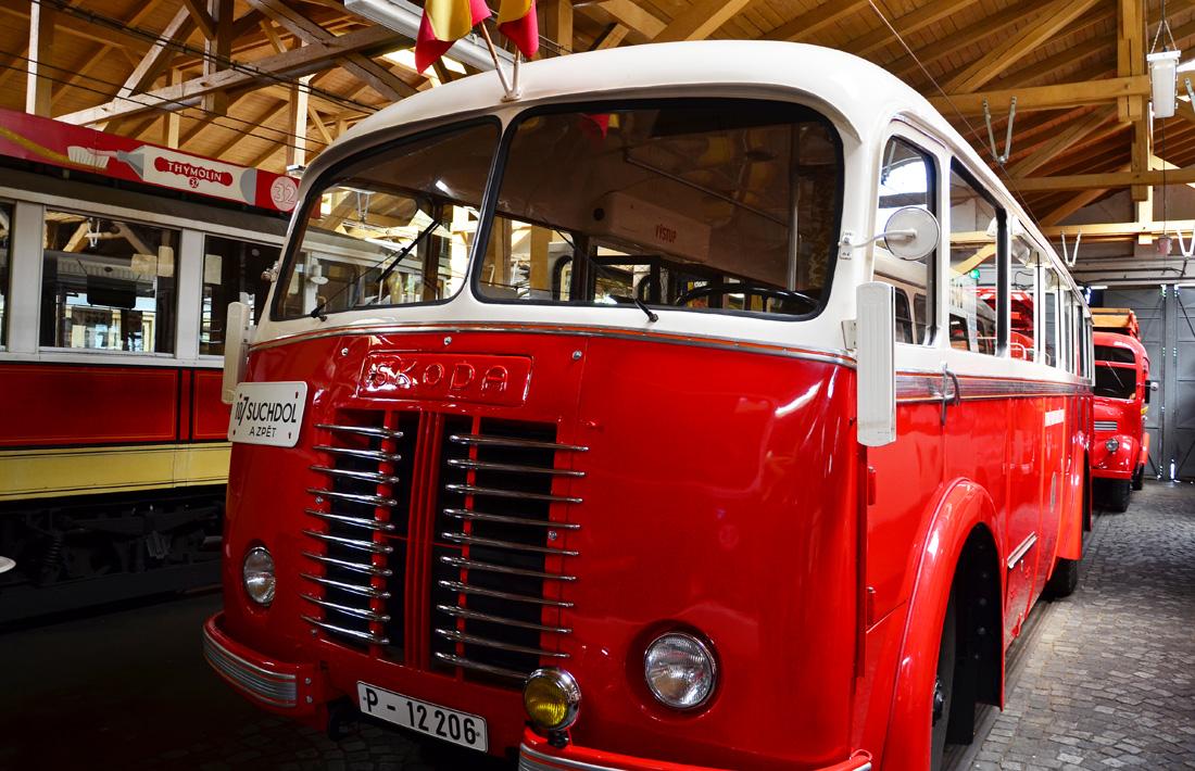 Экстравагантный автобус Škoda 706 RO, 1948 года выпуска