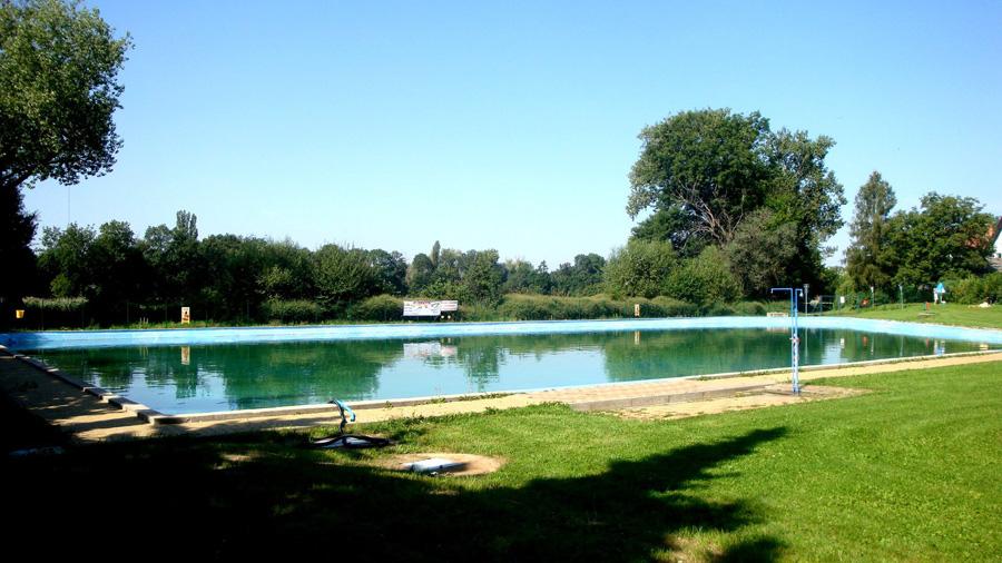 Открытый бассейн в Праге Kolovraty