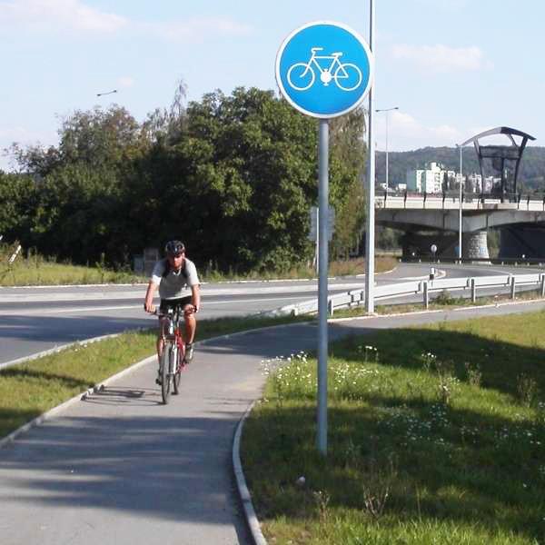 Отдельная велосипедная дорожка в Чехии