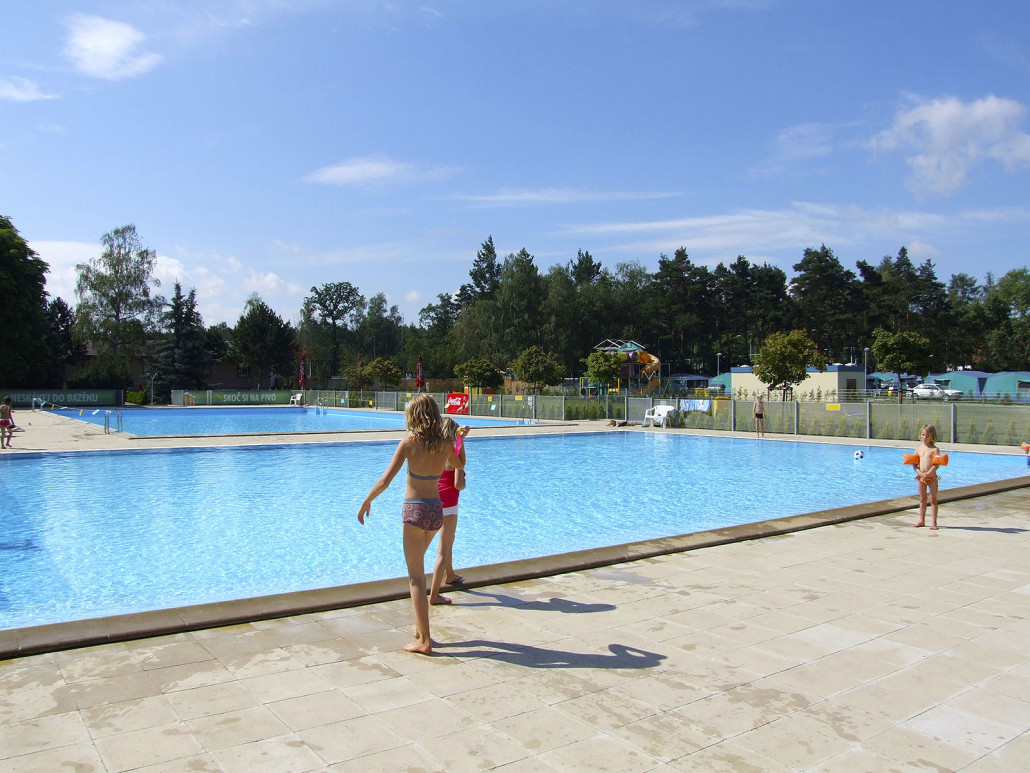 Pool2-1030x773