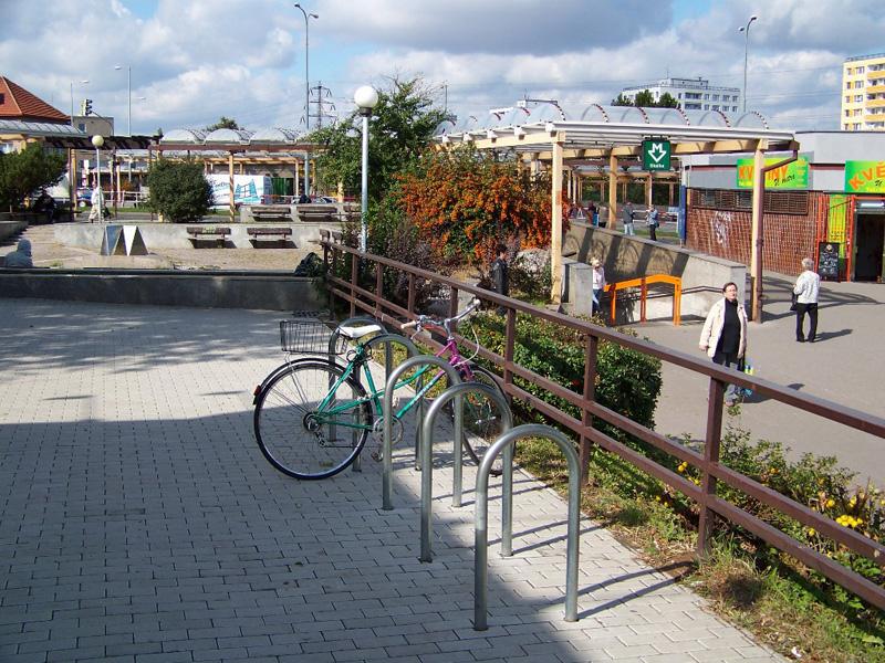 Велопарковка B+R для велосипедов в Праге