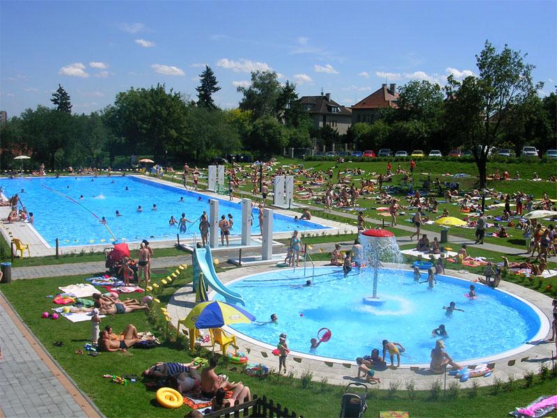 Открытый бассейн в Праге Stírka