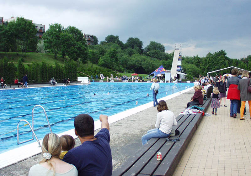 Открытый бассейн в Праге Petynka