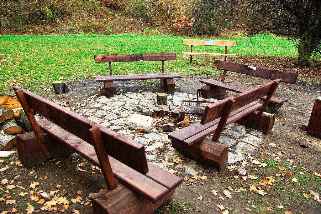 Hloubětín (Louka u Hořejšího rybníka)