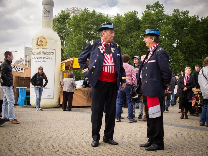 Винобрани на Намнести Миру в Праге