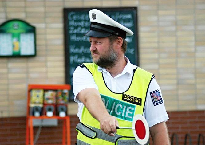 Вступили в силу новые правила для водителей и пешеходов в Чехии