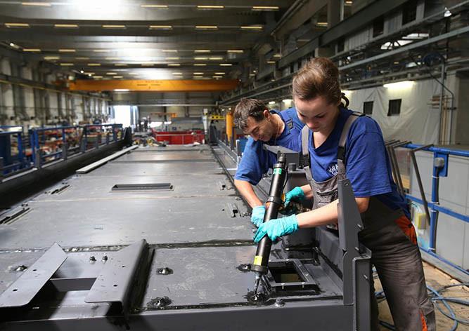 Власти Чехии обещали трудоустроить восемь тыс. украинцев