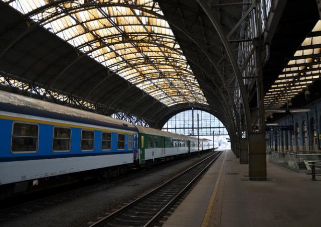 Поезд сбил человека на Главном вокзале Праги