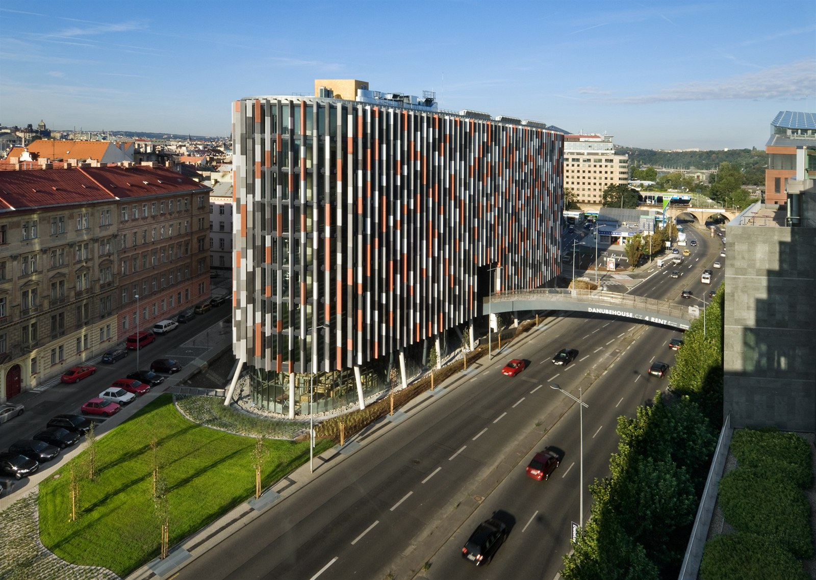 здание Main Point Karlin в Праге