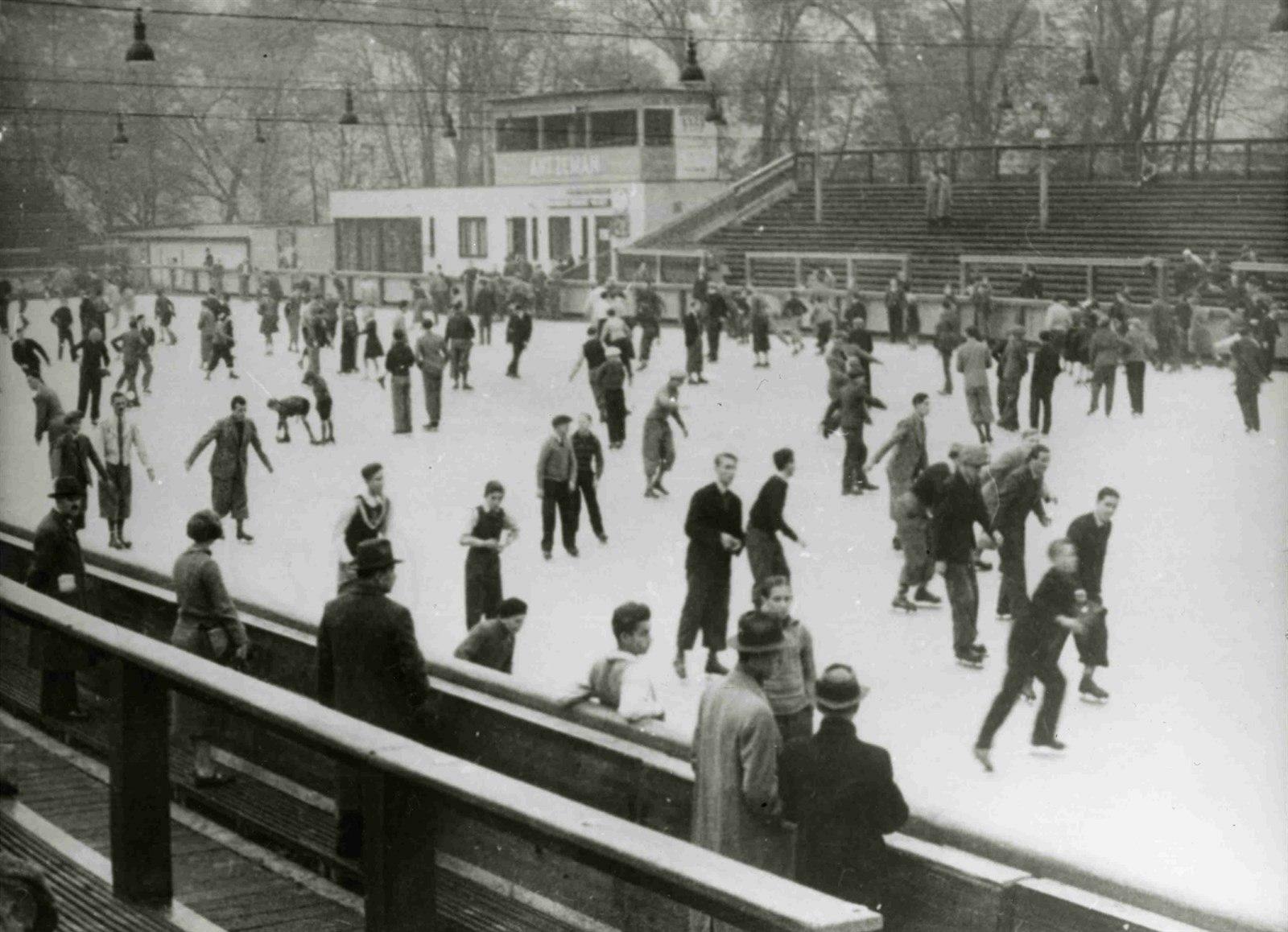 Zimní stadion na Štvanici, 1933, autor neznámý