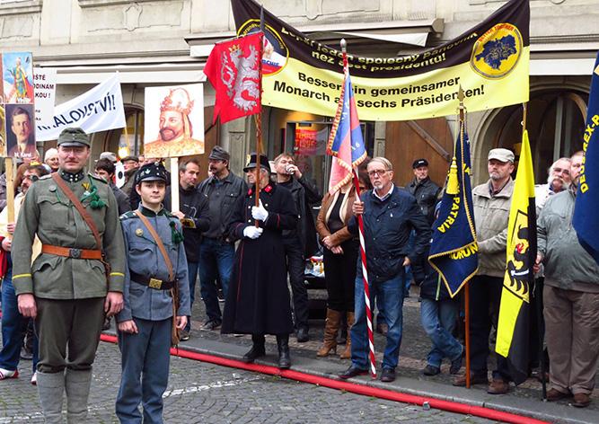 Монархисты в центре Праги сравнили Россию с нацистской Германией