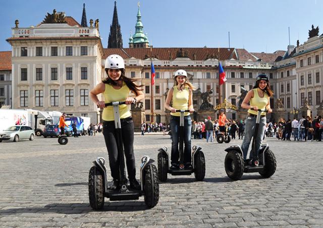 Ассоциация проката сегвеев подала на Прагу в суд