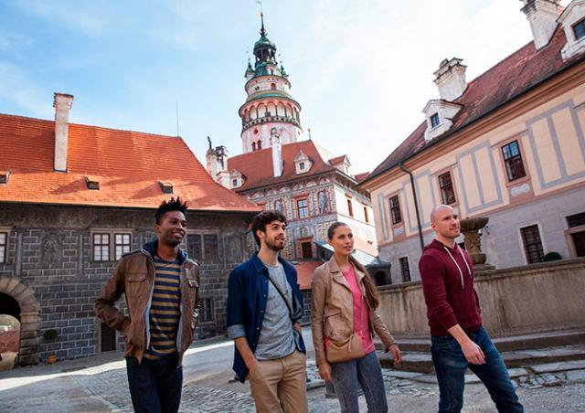 Чехи назвали самые симпатичные им национальности