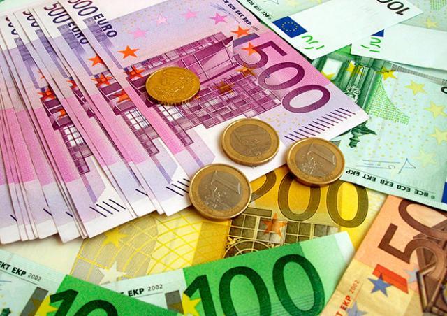 Чешские эксперты: крона существенно укрепится к евро в ближайшие недели