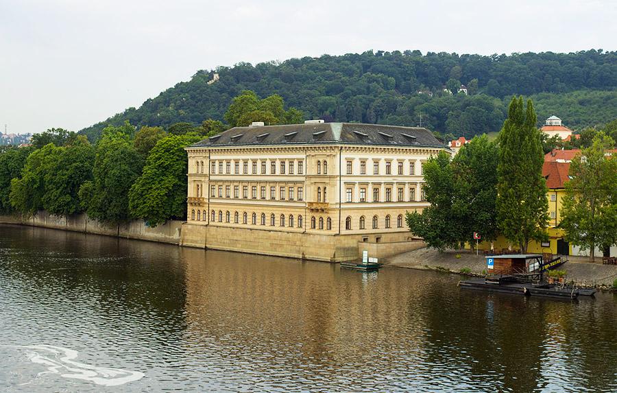 Lichtenštejnský-palác