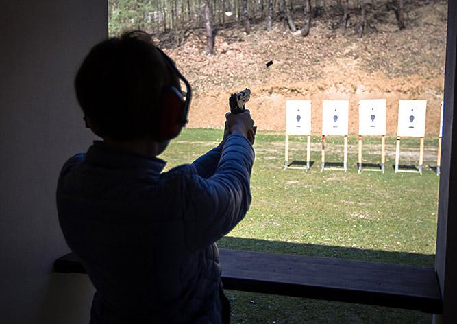 Идея для выходного: стрельба из легендарного оружия под Прагой
