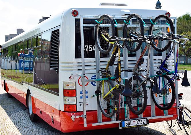 На улицы Праги вышел первый «циклобус»