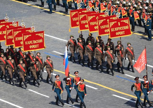 Онлайн-трансляция Парада Победы на Красной площади в Москве