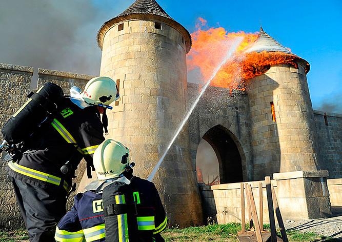 Пожар накиностудии «Баррандов» вПраге тушили всю ночь