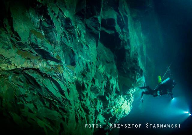 В Чехии обнаружена самая глубокая подводная пещера в мире