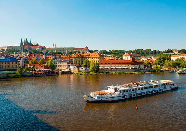 Бесплатно прокатиться на прогулочных судах в Праге можно будет 26 марта