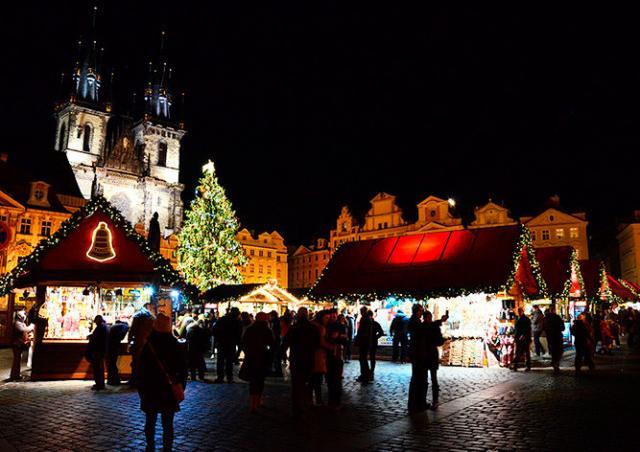 В Чехии выбрали главную рождественскую ёлку страны