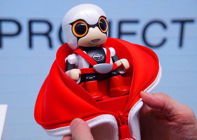 Toyota создала робота-ребенка для бездетных женщин