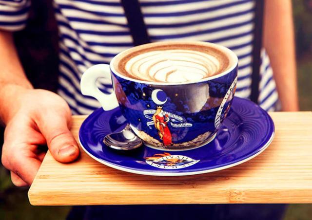 Кофе за стихи: чешские кофейни присоединятся к мировой акции