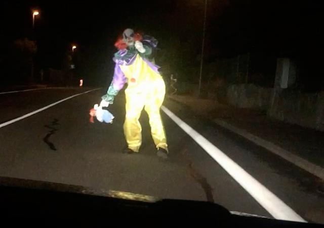 Нападение жуткого клоуна в Чехии оказалось инсценировкой