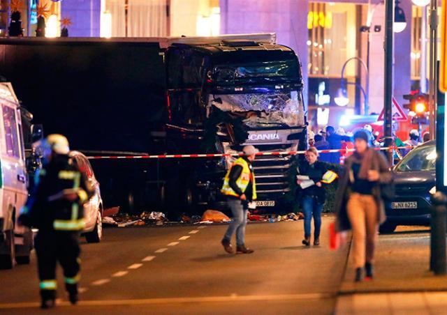 Среди жертв берлинского теракта опознали гражданку Чехии