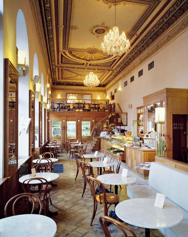Пражское Café Savoy
